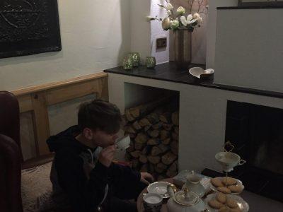 Leoninum  Handrup Arne Schmidt  It is tea-time