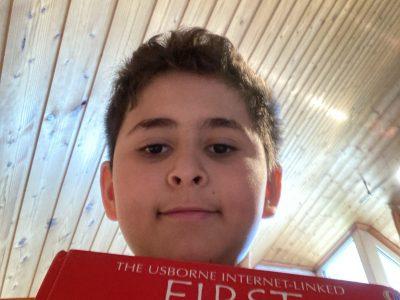 Stadt:Recklinghausen ,Schule:Freiherr vom Stein Das ist mein erstes Englische Buch und seit dem lese ich Regel mäßig