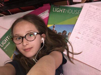 (Laura/Hürth/Gesamtschule Hürth) Die Schule macht so lange spaß bis man merkt das man die hälfte  über den Ferien vergessen hat