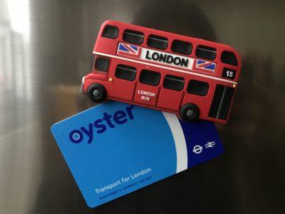 Wuppertal, CFG klasse 8c Dieser Magnet und die sogenannte oyster card habe ich aus London mitgebracht. Die Karte hängt nun seit 2018 an unserem Kühlschrank.