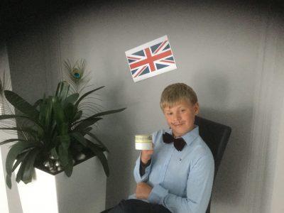 Braunschweig Wilhelm Bracke Gesamtschule  Artur Simonin Klasse 6.4   It´s teatime!!!