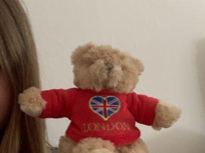 Ein Teddy Bär selbst in London gekauft
