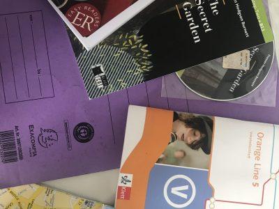 Köthen Freie-Schule-Anhalt  Womit ich das lernen einfacher machen konnte  (Bücher, Vokabelhefte und natürlich die Reise nach England)  Lucy Streuber