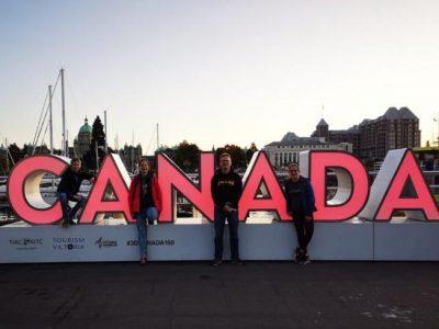 Stadt: Buchholz Name: Gymnasium am Kattenberge  Das sind ich und meine Familie auf  Vancouver island in Kanada.  Meine Schwester war ein halbes Jahr als Auslandjahr dort wir haben sie besucht. Es war ein sehr tolles Erlebniss.