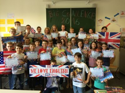 Die Klasse 5d des Hanns Seidel Gymnasium Hösbach freut sich über die Preise!