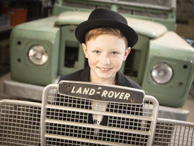 Gymnasium Bad Nenndorf    Das bin ich mit einem echten englischen klassiker ein Land Rover serie 3 109