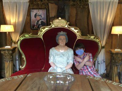 Linz am Rhein, Martinus Gymnasium Linz  It`s just my daily meeting with the Queen : )