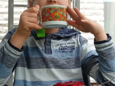 "Magdeburg, Geschwister-Scholl-Gymnasium:  ""teatime - like in England"""