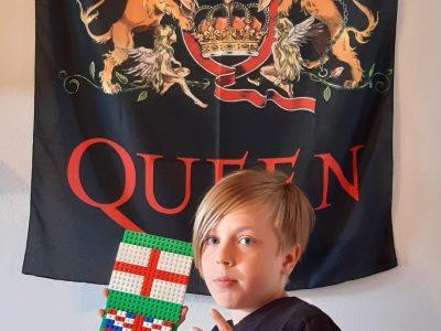 Traunstein, Reiffenstuel-Realschule Viel Gutes kommt aus England, zwar nicht Lego aber dafür Queen und natürlich die Queen!