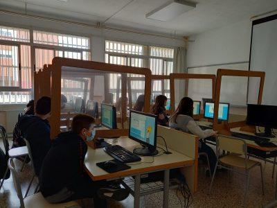 IES Penyagolosa - Castellón de la Plana  Nuestros alumnos participando en el concurso.