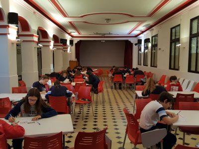 Colegio Sagrado Corazón- Fundación Spínola, Málaga. Los alumnos muy concentrados pasando el examen