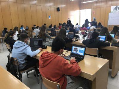 Salou (Tarragona) INS Jaume 1,alumnat participant a les proves online.
