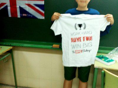 ¡Hola! Les envío esta foto desde el IES A Sangriña, en A Guarda (Pontevedra). Este es nuestro estupendo alumno Mateo Carabelos, ganador provincial de 1° de ESO. Gracias por la experiencia y la impecable organización. Hasta la próxima edición. :)