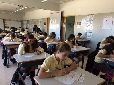 "LA DEVESA, ELCHE, España  Los alumnos de 1º ESO participando en el concurso ""The Big Challenge"". ¡Buena suerte! Students from 1st ESO participating in ""The Big Challenge"" competition. Good luck!"