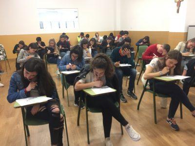 Colegio Corazòn de María, Zamora. Pupils of 3° ESO taking the examinarion!!