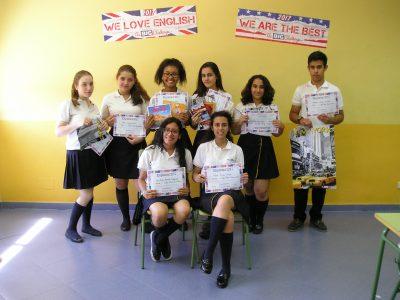 COLEGIO DIOCESANO MARÍA INMACULADA (Carabanchel) - Nuestros alumnos de 3º & 4º ESO entusiasmados con sus premios y diplomas.