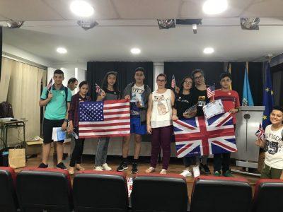 MELILLA - IES MIGUEL FERNÁNDEZ - Foto de algunos participantes del Big Challenge con su profesora