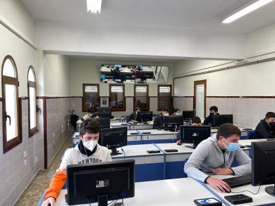 Oliva, colegio El Rebollet Coop. Val.  Es la primera que vez que participamos y los alumnos están encantados.