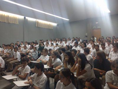 Zaragoza, Colegio Teresiano de Pilar, Los alumnos participantes esperando a recibir sus premios