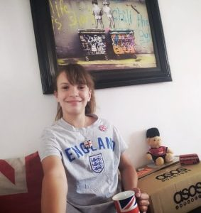 Collège Notre Dame de Bourbourg Grate : Year 7 me with all my english gifts in front of a artwork by Banksy
