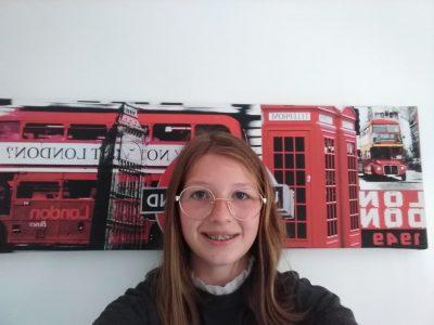 je suis à Brioude à Saint Julien voici une superbe photo de moi à Londre