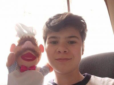 Claye-Souilly collège les tilleuls  quand jetais petits mon père ma fait découvrir le muppet show  le cuisiner ma  particulièrement fait rire , je fais donc un selfie avec lui !