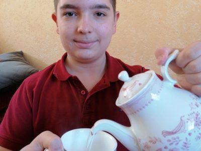 Saint Florent sur cher 18400 College Voltaire  Après la concentration du big challenge,  Tea time pour décompresser.