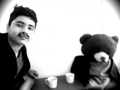 Petit thé anglais avec mehmet est patrick a Londres   Avci mehmet. Lemberg College la paraison