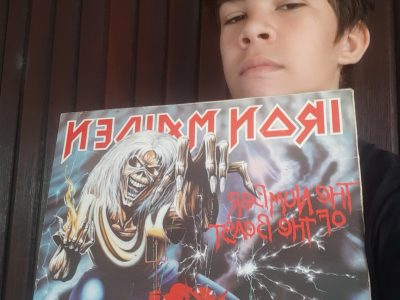 """Groupe de rock anglais faisant partie de la """" new wave of british heavy metal"""" je vais à l'école à Cognio et le nom de mon collège est saint-pierre"""