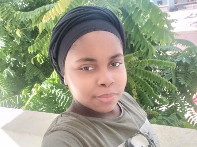 Mamoudzou collège Mgombani   Apprendre l'anglais dans la nature