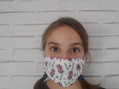 La ville: Bellegarde Le nom: Contrepois.Maïdi J'ai choisi de porter un masque avec le drapeau du Royaume-Uni pour que dans les prochaines années on se remémore le confinement et le virus. Je porte souvent se masque en court.
