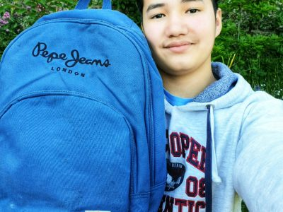 Versailles Collège Hoche  London is on my backpack :)