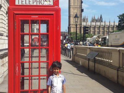 Ville : Saint Benoit. Nom du collège : Alexandre Monnet. J'ai adoré Londres. C'était super.