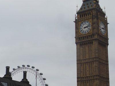 Valréas, collège St Gabriel j'ai envoyé une photo de Big Ben