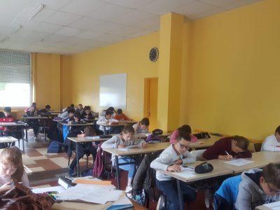 Collège Gaston Carrère à Casseneuil (47440) Petit effectif mais ils planchent sérieusement !!