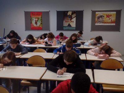 INGERSHEIM, collège Lazare de Schwendi. Les 6èmes étaient très concentrés!