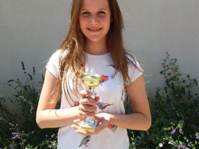 Félicitations à Justine Dhont qui remporte la 5°place départementale niveau 4°en Ardèche (collège Rivier à Bourg St Andéol )