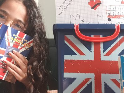 I live in Roissy-en-Brie and i love to learn and to speak English !!! I see you soon ! Bye ☺☻Leïna