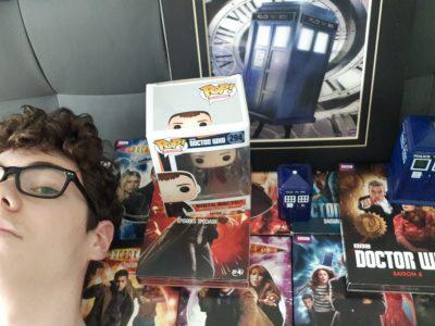 """Collège de Navarre, Evreux. Moi et ma collection de DVD et objet de ma série préférer """" Doctor Who""""."""