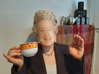 Oh my God ! La reine Elizabeth est justement confinée chez moi ces jours ci !  Charlie du collège St Exupéry à St Nicolas de Port (54)
