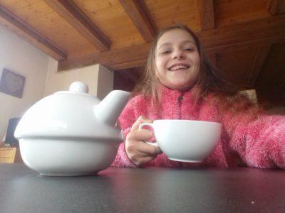 "MARCKOLSHEIM - Collège Jean Jacques Waltz La ""cup of tea"" d'Eglantine!"