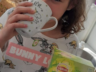 ville de douai collège Gayant ....  A cup of tea, please !!!