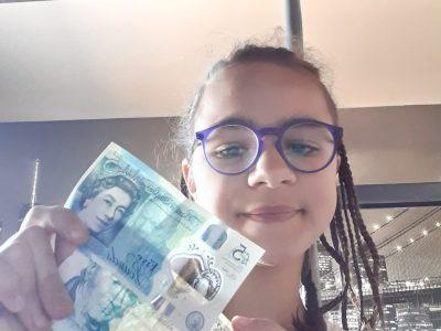 Reze,Collège ST Paul  Il y a un billet de banque de nos jours et un ancien billet de banque