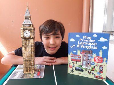 GENNEVILLIERS Collège Guy Moquet  Tour Big Ben construit en puzzle 3D après mon séjour à Londres en 2018. Mon 1er Larousse anglais pour étudier à l'école primaire.