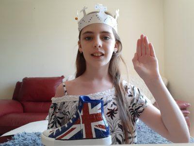 collège sainte Anne a Legé  je suis la reine Elizabeth 2 ,vous etes mes sujet !