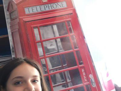 Artemare, Collège du Valromey En photo, ma cabine téléphonique privée !...