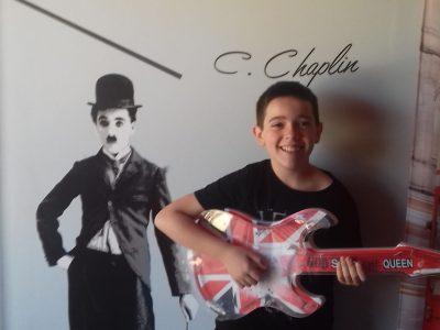 """Nathan Authier 6°1 Collège Pierre Bayle Pamiers   """"Une journée sans rire est une journée perdue.""""  C.Chaplin"""