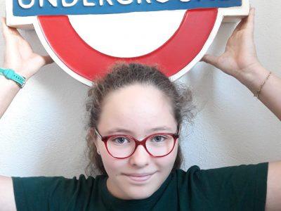 Bonjour,  Je m'appelle Alexandra Chabanon. Je suis en classe de 5eme au Collège Saint François de Sales à Chambéry. Ma photo à été prise dans ma maison car j'aime beaucoup le métro Anglais et j'en ai un dans mon sous sol. Merci pour le Big Challenge.C'était super. Cordialement,  Alexandra Chabanon