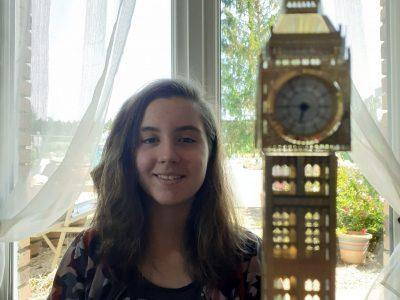 Je m'appelle Adeline Baudon et je suis en troisième au collège Aristide Bruant de Courtenay dans le Loiret. Back to London.