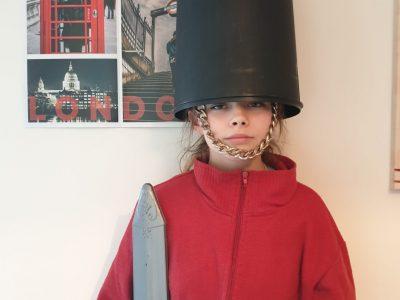 Dol de Bretagne ,Saint Magloire , soldat anglais sa ne rigole pas à la maison :-)